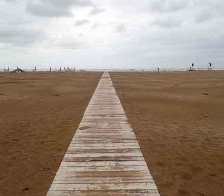 chodník až do moře
