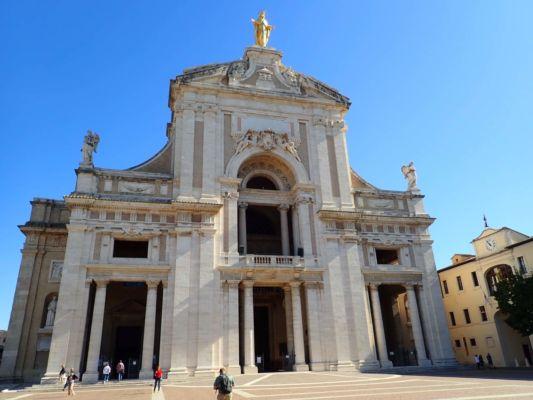barokní poutní kostel Santa Maria degli Angeli