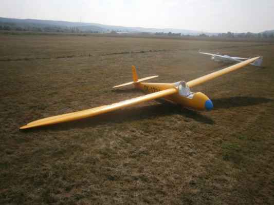 Pilot je zmenšenina originálu, jako i u ostatních modelů 1:2.