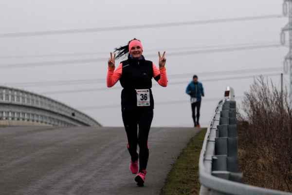 36 Iveta Nevělíková 1975 runners otrokovice