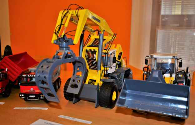 LIEBHERR 580 LogHandler 2plus2 -----------------------------------------LIEBHERR 586 2plus2