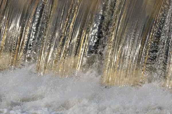 ač nerada, musím se s jezem třputící se zlatou vodou rozloučit....musíme dál ......