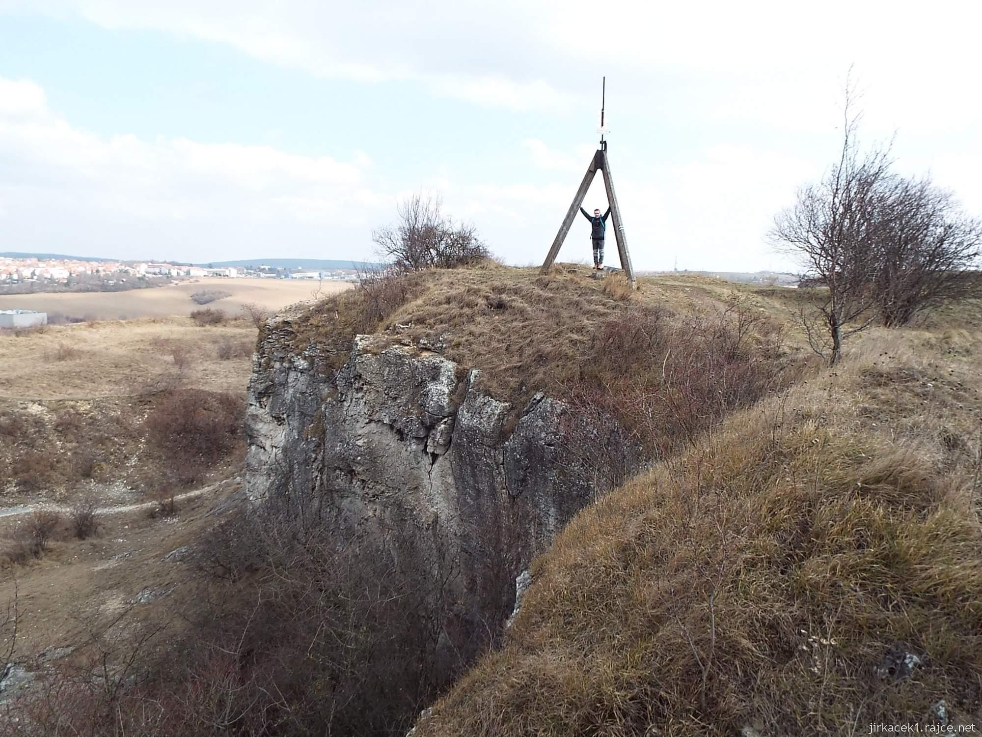 Brno - Stránská skála 17 - vrchol s pyramidou