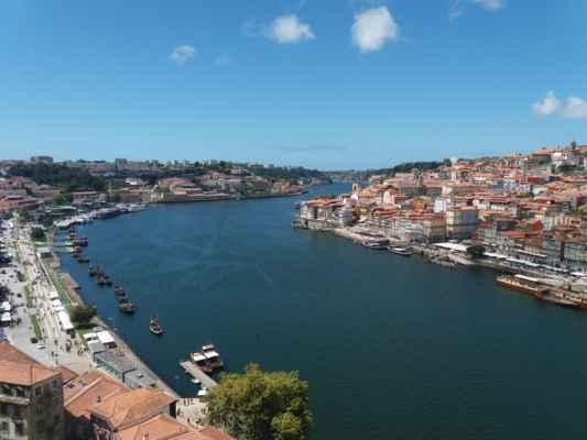 Řeka Douro v Portu - Foceno z druhé strany mostu Luis I.