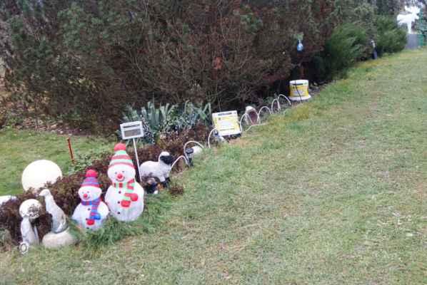 Jo, blíží se Vánoce, tak výzdoba nesmí chybět. Děs běs...