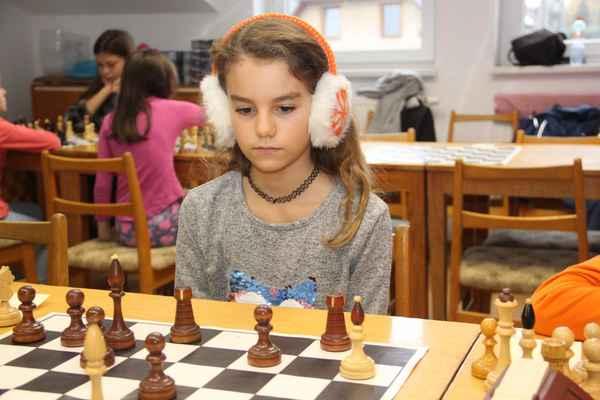 ŠACH-PINK ZEMĚDĚLSKÉHO DRUŽSTVA HODONICE - Keywords: šach-pink;DĚTI