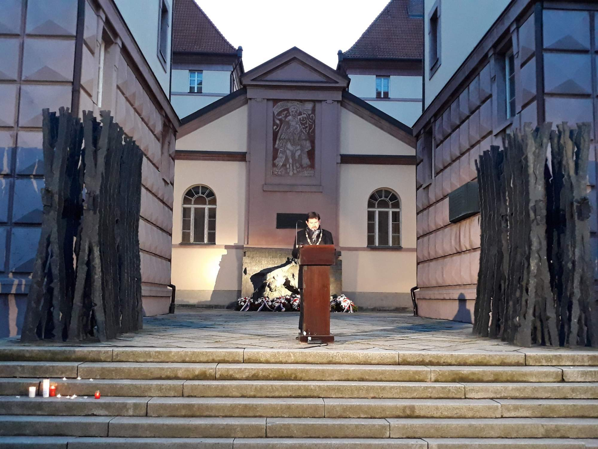 Rektor Masarykovy univerzity Martin Bareš při proslovu. Foto: Miroslava Putzlacherová