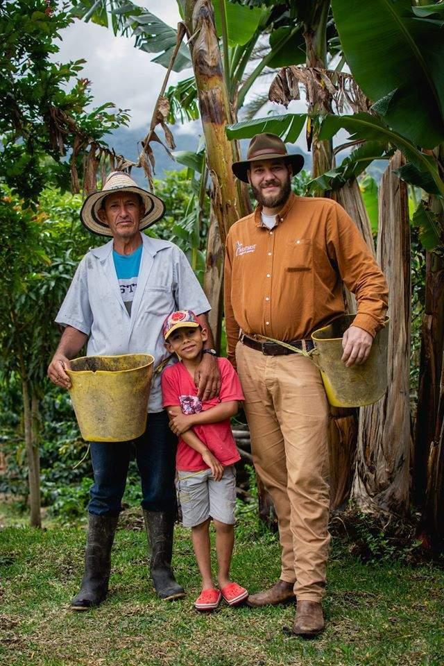 Peter Haninec na plantáži v Kolumbii. Foto: Radim Madarász