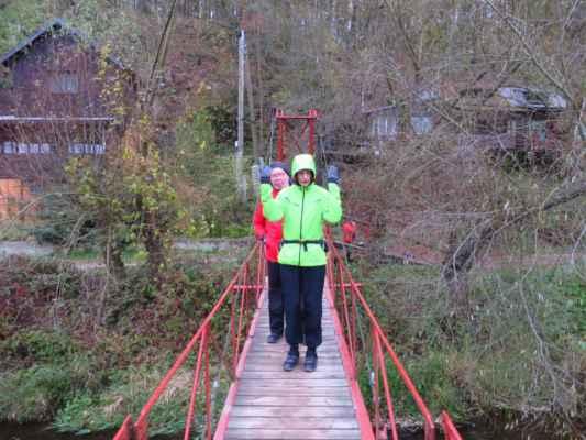 myslíš, že je ten most zvedací? :-) (ano, je dobré se ptát, až když na něm stojíme :-))