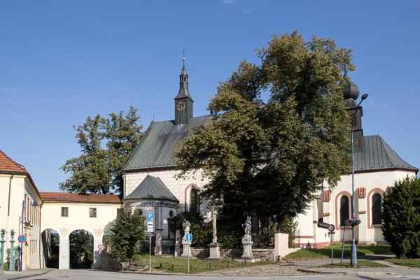 Kostel sv. Kateřiny a klášter františkánů