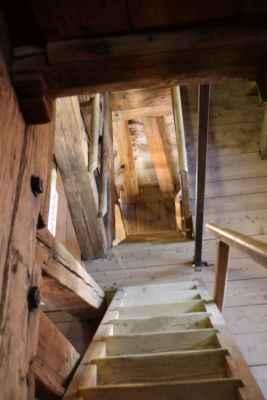 Schody na věž kostela Nanebevzetí Panny Marie