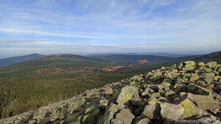 Roklan, Blatný vrch se Špičníkem a údolí Březníku v popředí