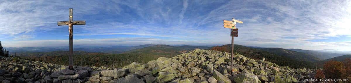 panoramatický pohled přes vrchol Lusenu