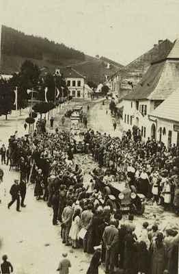President T.G.Masaryk projíždí 17.6.1928 Doubravníkem
