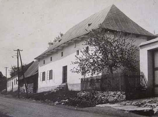 """Domek """"Na Ulici"""" směrem k Tišnovu - počátek 20.stol."""
