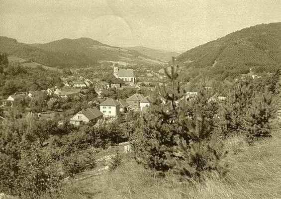 Pohled na Doubravník z Pláňavy 1980