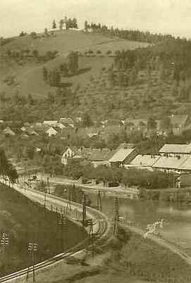 Pohled ze Sutin přes řeku Svratku (bez břehového porostu) na část zvanou Luhačovice r. 1939