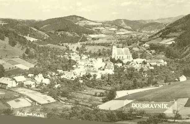 Pohled přes Doubravník k Černvíru.