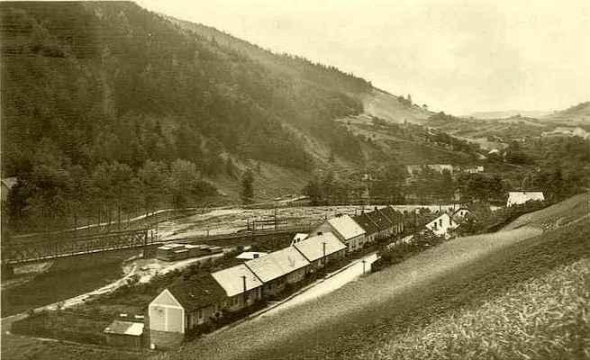 Doubravník - pohled na místní část Luhačovice. Související článek na webu: http://tinyurl.com/y9bdzqhy
