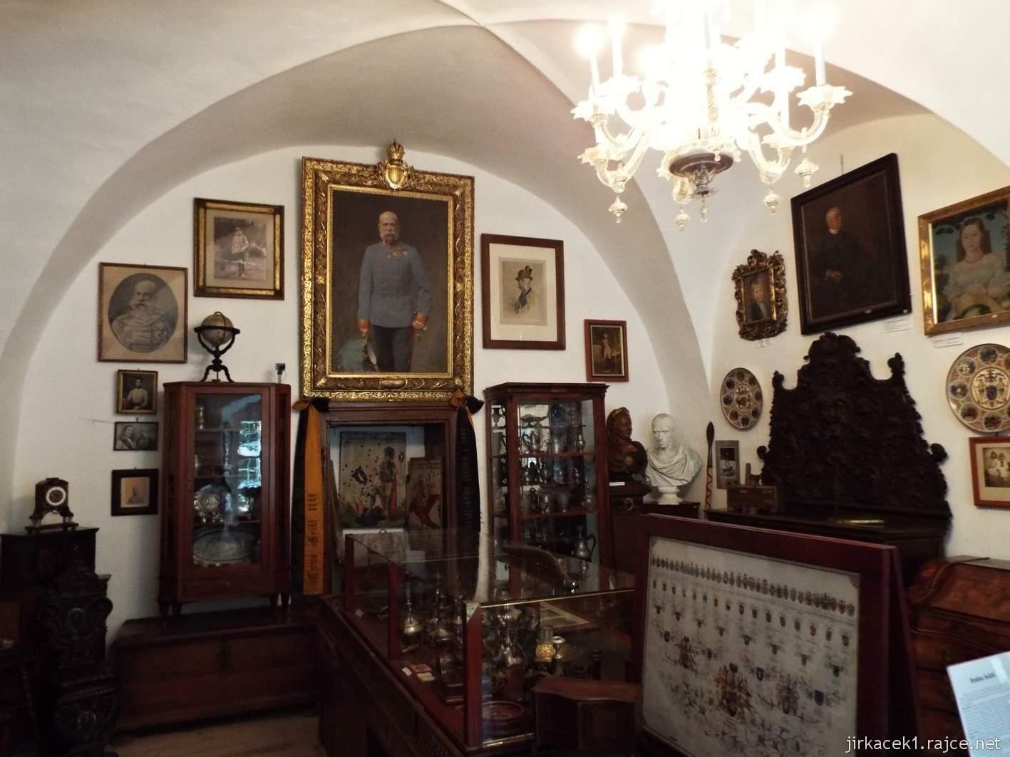 Zámek Ždánice - Vrbasovo muzeum - expozice významných osobností