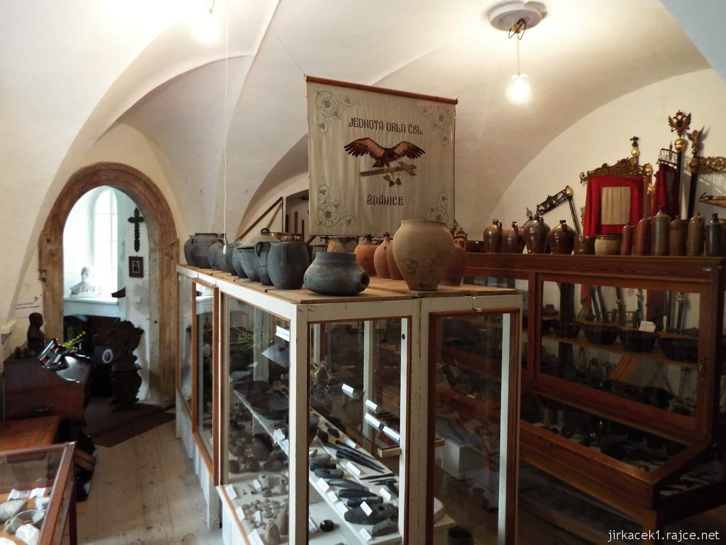 Zámek Ždánice - Vrbasovo muzeum - expozice archeologie a cechů