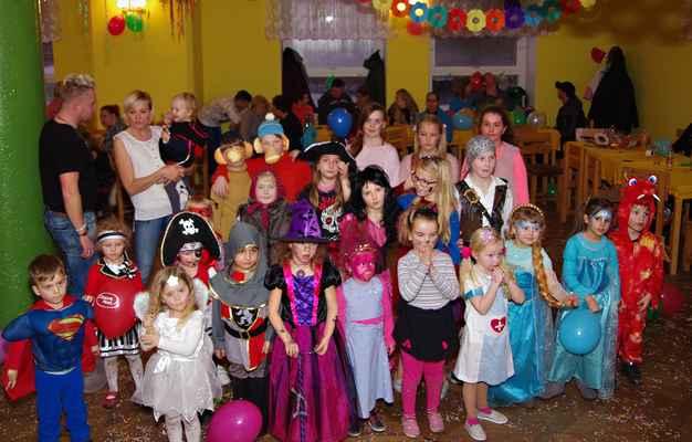 Dětský karneval v Kladrubech 16.2.2019.