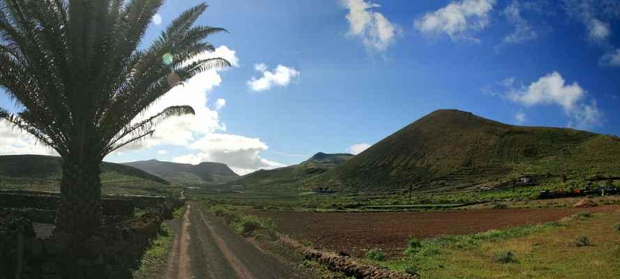 ...cesta vnitrozemím ostrova...