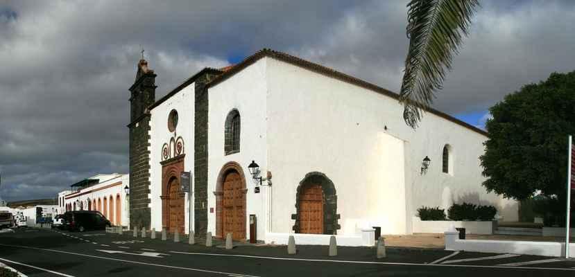 v samotném městě Teguise je několik klášterů - tento je Convento de Santo Domingo...