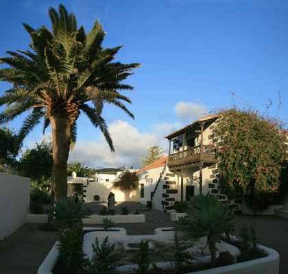 ...návštěvnické středisko v San Bartolomé...