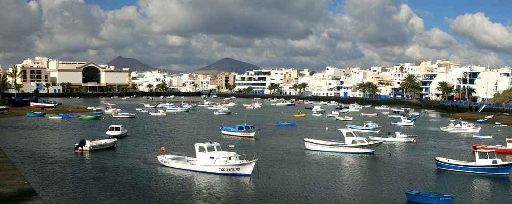 ...laguna a centrum Starého města v Arrecife...