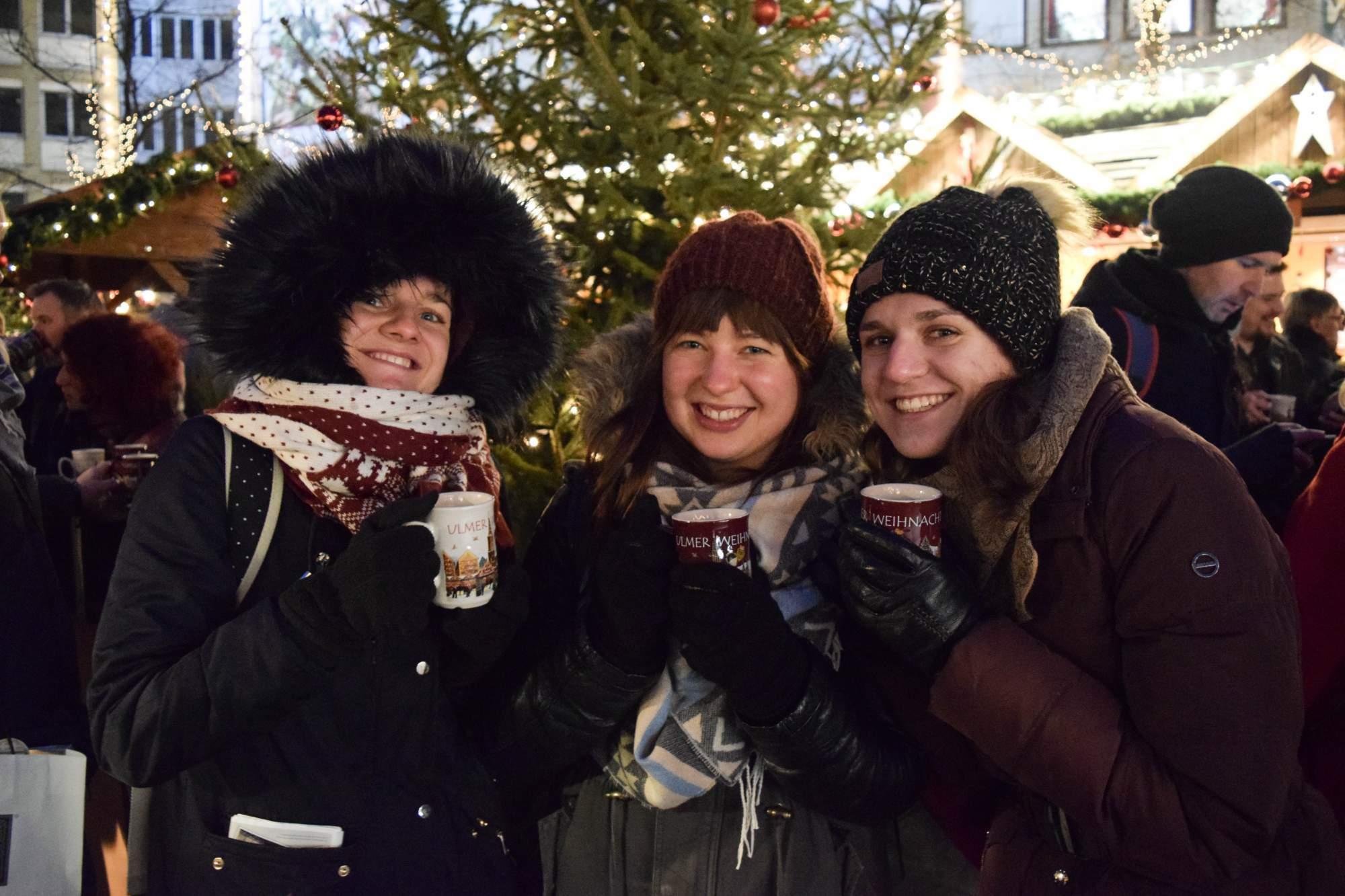 Helena Dombajová (uprostřed) v Německu zavítala také na vánoční trhy.