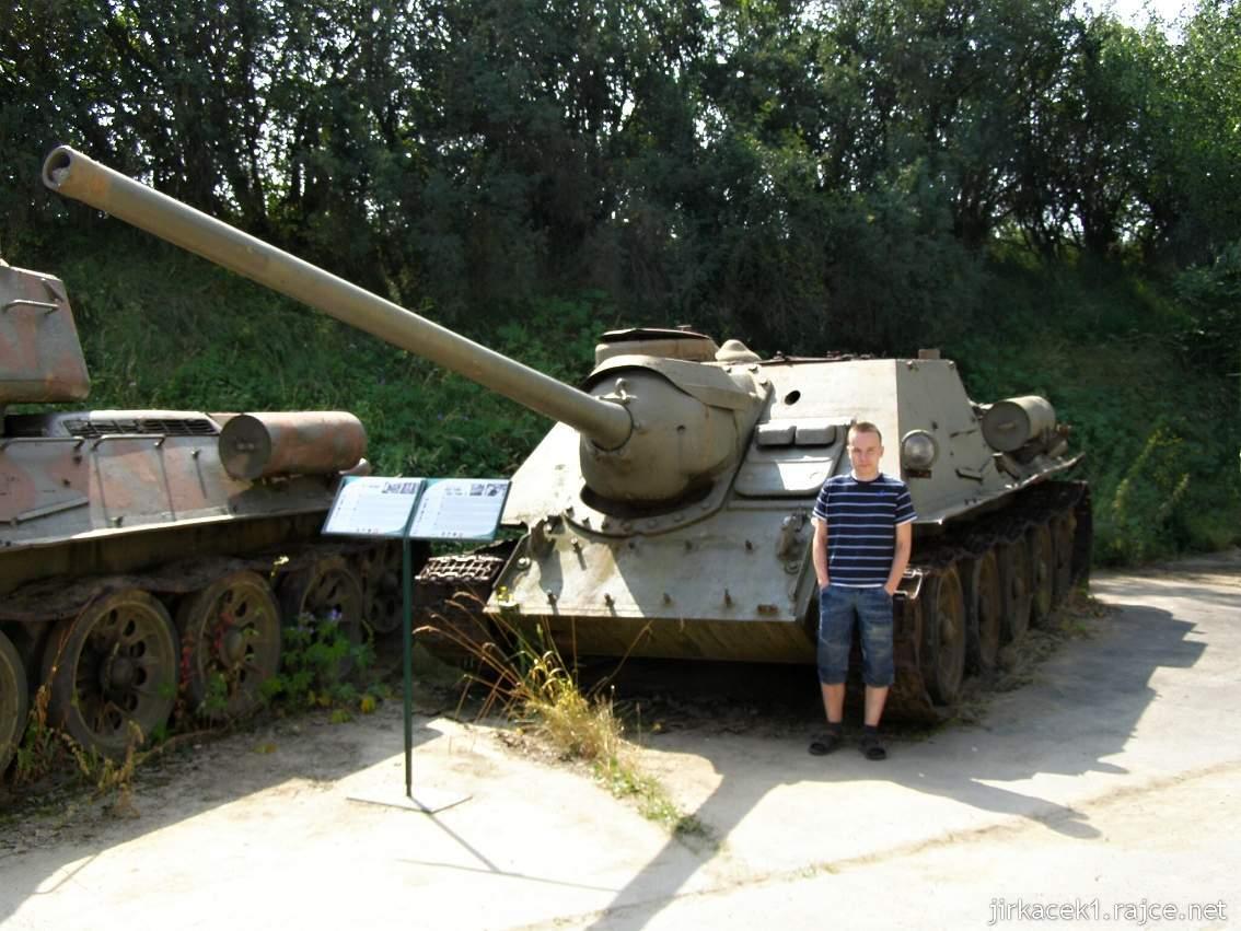 muzeum na demarkační linii Rokycany 09 - stíhač tanků SU-100