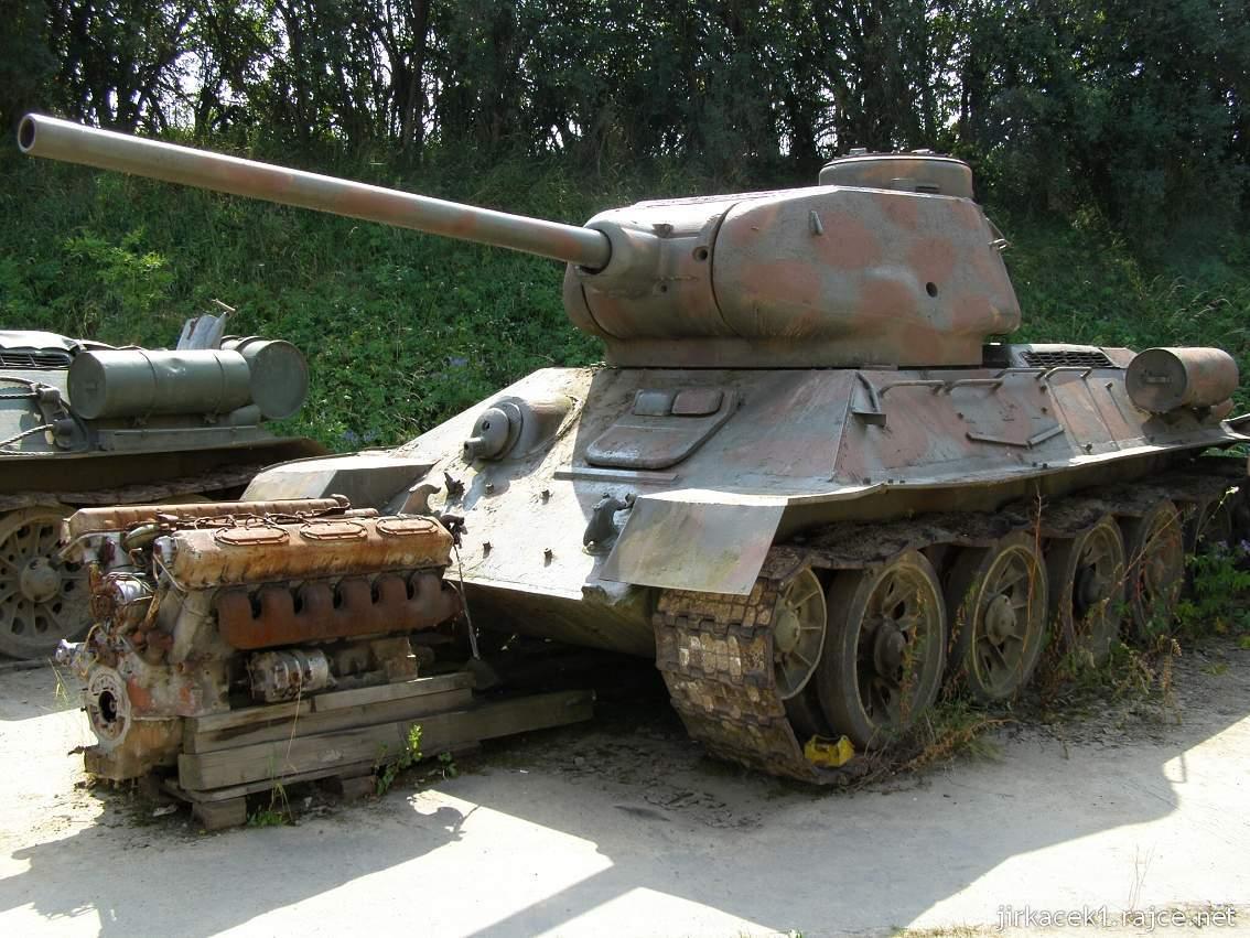 muzeum na demarkační linii Rokycany 10 - tank T-34 - 85