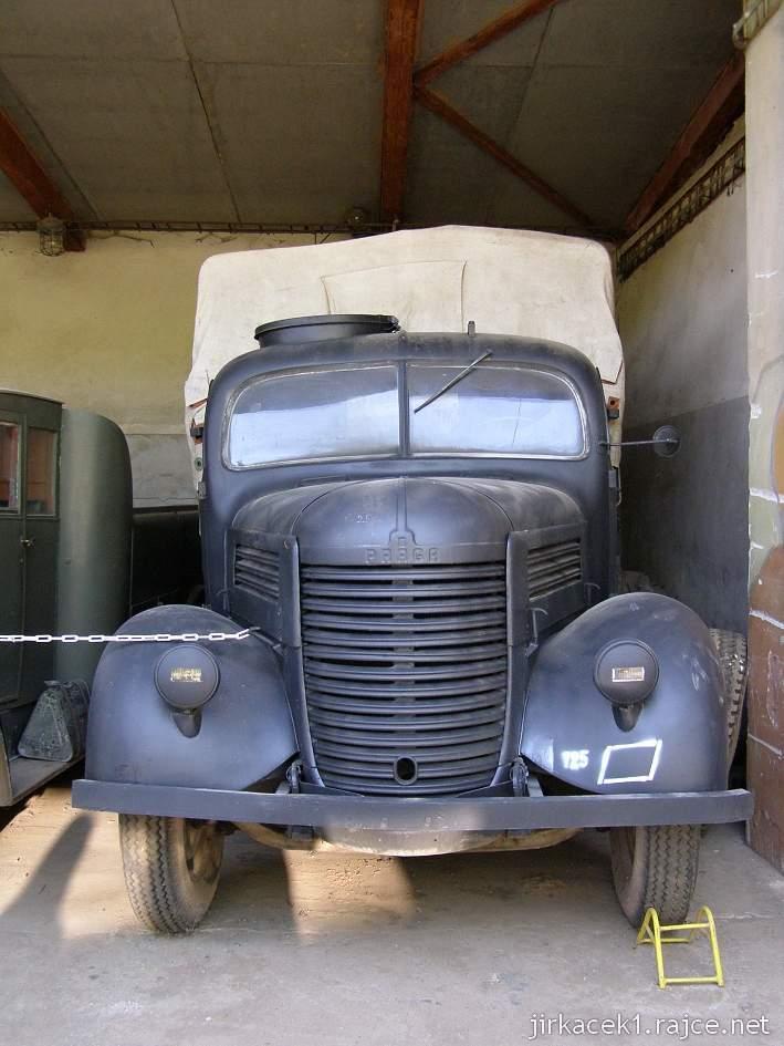muzeum na demarkační linii Rokycany 36 - nákladní automobil PRAGA RN