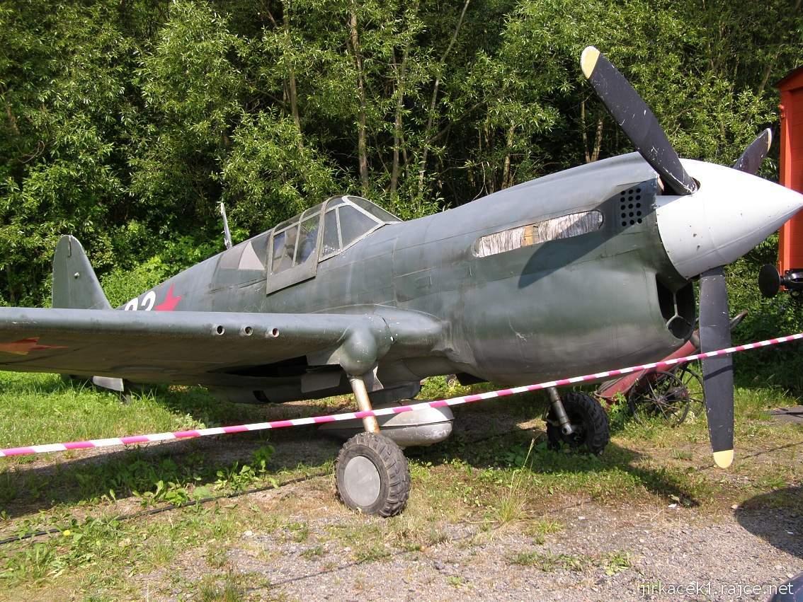muzeum na demarkační linii Rokycany 47 - stíhací letoun Curtis P-40W Warhawk