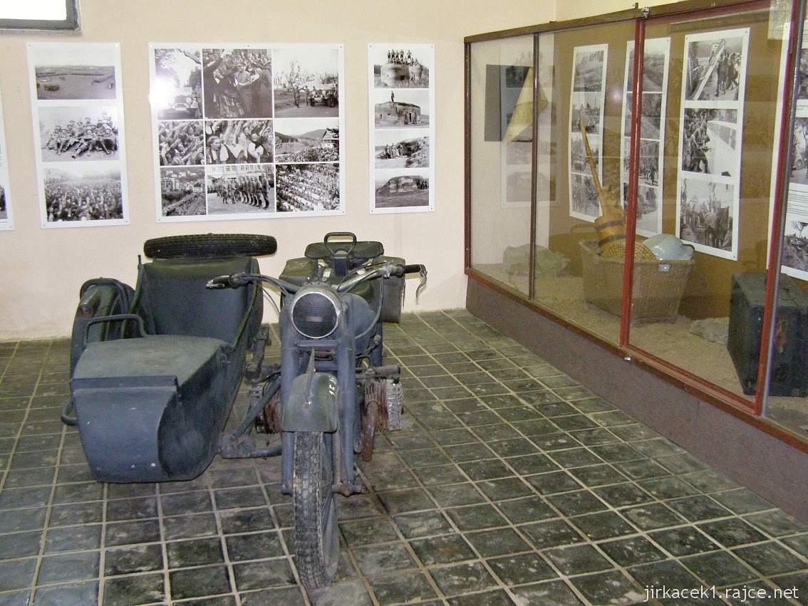 muzeum na demarkační linii Rokycany 52 - vnitřní expozice - sajdkára