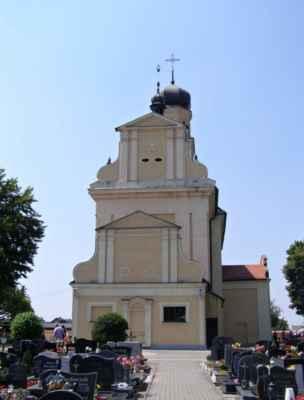 Tworków - kostel sv. Petra a Pavla (Kościół Św. Piotra i Pawła w Tworkowie) - zadní pohled