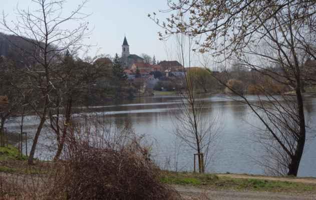 Libocký rybník a kostel.