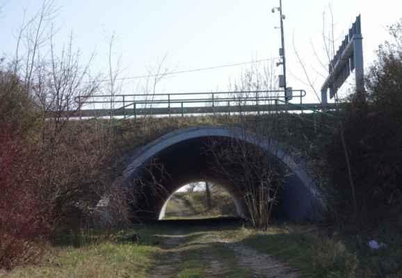 A konec legrace, jede se domů. Ze Šárky do Vokovic jsem to vzala tunely pod Evropskou.